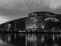 Az Európai Parlament újragondolja az online vásárlások jogszabályait